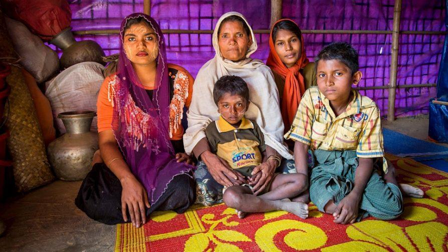 Viúvas rohingya se preocupam com o futuro de suas famílias