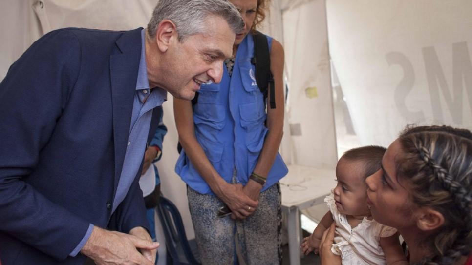 Filippo Grandi em visita na Colombia