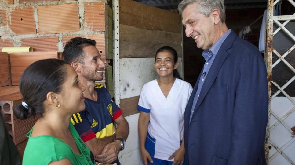 Filippo Grandi em visita na Colombia3