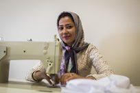 Reunião familiar, permissões para trabalho e estudo ajudam mais refugiados, aponta pesquisa do ACNUR e da OCDE