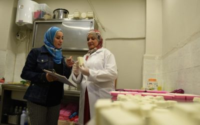 Fabricação de sabão oferece um novo começo para refugiada síria em luto