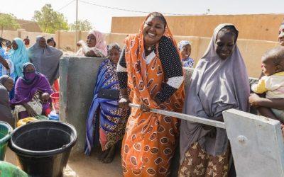 Cidade devastada pela guerra volta à vida no Mali