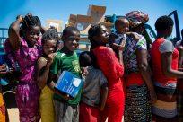 Sobreviventes do Ciclone Idai começam  a retornar para áreas próximas de suas casas em Moçambique