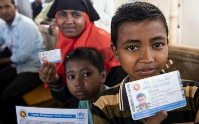 Refugiados rohingya recebem documento de identidade pela primeira vez