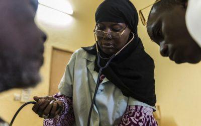 Ajudando uma cidade do Mali a recuperar sua saúde