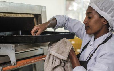 Programa treina refugiados e etíopes para o mercado de trabalho