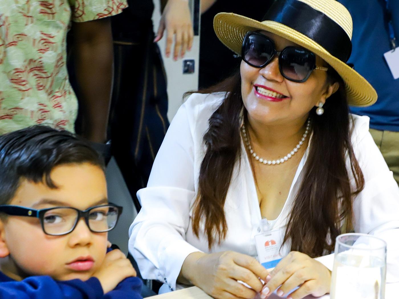 A maestrina Miriam Blos também é linguísta e teóloga