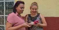 Maioria dos venezuelanos no Brasil usa celular e acessa internet, mas fontes de informação mais confiáveis são amigos, familiares e agentes humanitários