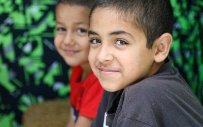 Crianças refugiadas sofrem impacto do fechamento de escolas por Coronavírus