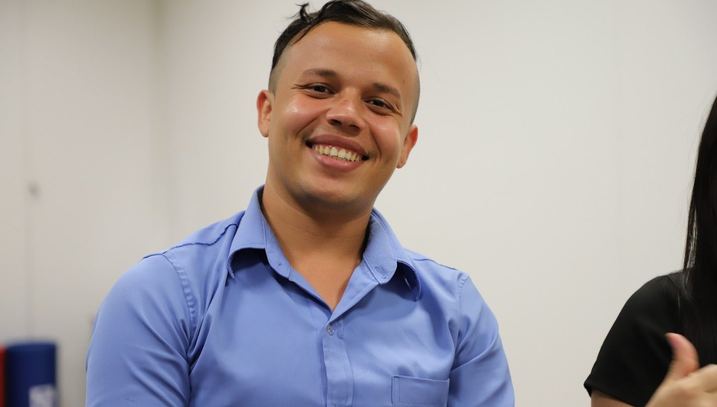 """""""Não tenho vergonha de dizer às pessoas que eu morava nas ruas e procurei comida no lixo"""", afirma Juan Pablo. """"Não vou desistir porque tive uma segunda chance na vida"""""""