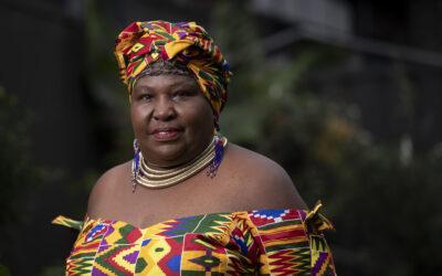 Queniana transforma vida de mulheres refugiadas na Austrália