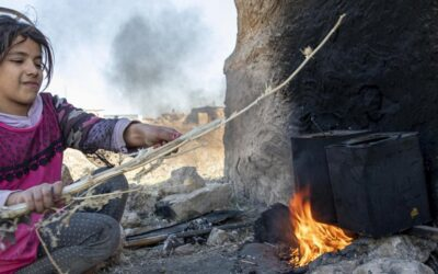 Iraquianos enfrentam condições extremas após fechamento de campos de refugiados