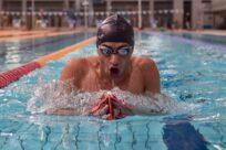Nadador sírio inicia participação da Equipe Paralímpica de Refugiados em Tóquio 2020