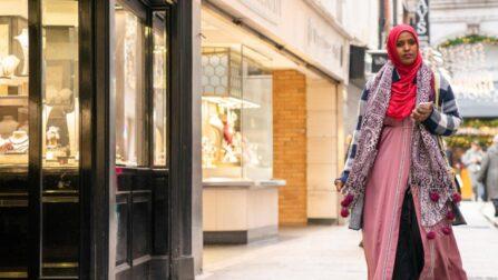 Ifrah Ahmed, uma ativista contra a mutilação genital feminina nascida na Somália, na sua nova cidade, Dublin, Irlanda