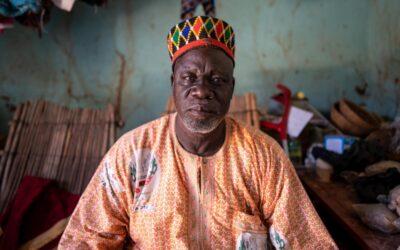 Heróis locais de Burkina Faso são homenageados por dar abrigo aos deslocados
