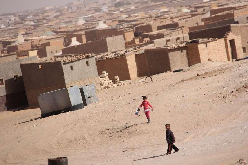 ACNUR - Restaurando la confianza entre los refugiados saharauis en ...