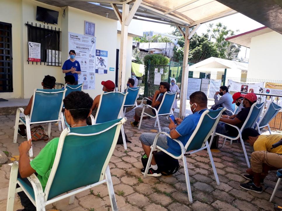 ACNUR trabaja con albergues locales en la recepción de las personas refugiadas.