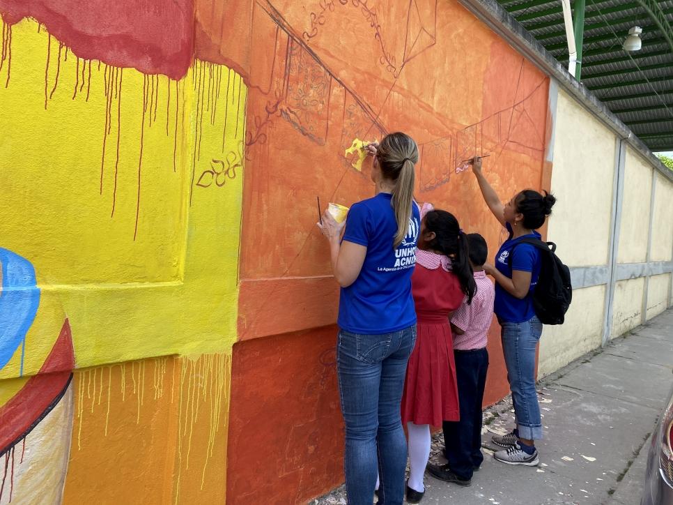 Los proyectos artísticos embellecen los espacios públicos y para ACNUR es una muestra de agradecimiento con las comunidades que reciben a la población refugiada.